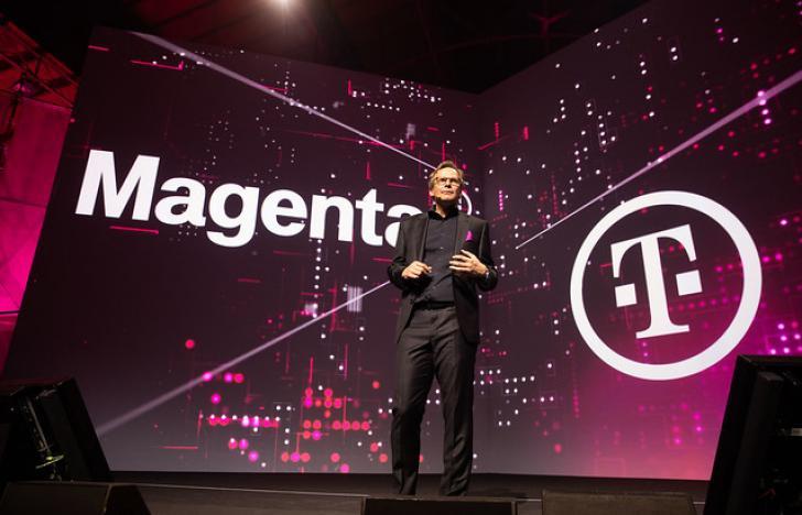 Magentafarbene Magenta Telekom ist da